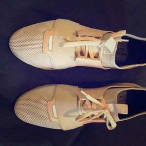 BALENCIAGA beige cream runner low top sneakers